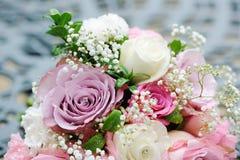 Het roze boeket van bruiden stock foto