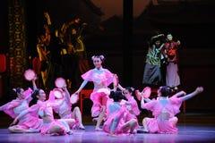 Het Roze de meisje-eerste handeling van de gebeurtenissen van dans drama-Shawan van het verleden royalty-vrije stock afbeeldingen