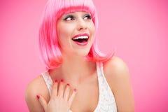 Het roze haarmeisje lachen Stock Afbeelding