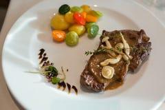 Het rundvlees met versiert kleur royalty-vrije stock foto