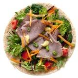 Het Rundvlees van het braadstuk en de Omslag van de Salade royalty-vrije stock foto's
