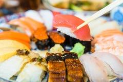 Het rundvlees van sushikobe in een gastronomisch Japans restaurantmenu stock afbeelding