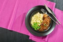 Het rundvleeslapjes vlees van Salisbury met fijngestampte aardappels Royalty-vrije Stock Afbeeldingen