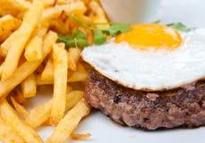 Het rundvleesvlees en ei van het lapje vlees royalty-vrije stock fotografie