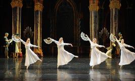 Het Russische witte kant de kleding-prins van bar het mitzvah-derde handeling-ballet Zwaanmeer stock afbeeldingen