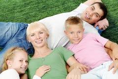 Het rusten van de familie Stock Foto