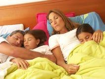 Het rusten van de familie. Royalty-vrije Stock Afbeelding