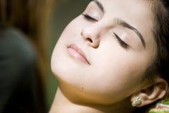 Het rusten van de vrouw. royalty-vrije stock foto's