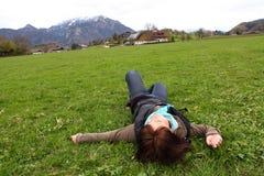 Het rusten van het meisje Stock Fotografie