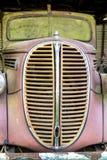 Het rustieke metaal in een verlaten autokerkhof royalty-vrije stock foto's