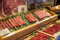 Het ruwe rundvlees van rundvlees verse Japanse wagyu bij Tsukiji-Vissenmarkt in Tokyo Japan stock afbeelding