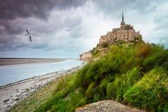 Het Saint-Michel van Mont bij winderige stormachtige dag Royalty-vrije Stock Afbeeldingen