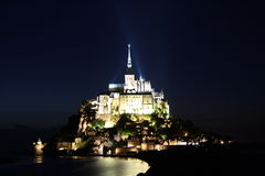 Het Saint Michel van Mont 's nachts, Normandië (Frankrijk) Royalty-vrije Stock Fotografie