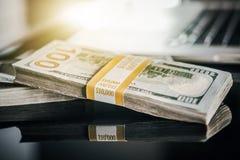 Het Salaris van het contant geldgeld stock foto