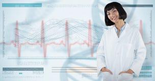 Het samengestelde beeld die van arts bevinden zich met dient zak tegen witte achtergrond in royalty-vrije stock foto's