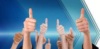 Het samengestelde beeld van handen het tonen beduimelt omhoog Stock Fotografie