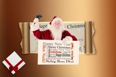 Het samengestelde beeld van santa houdt een teken en belt zijn klok Royalty-vrije Stock Afbeeldingen