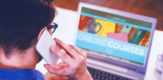 Het samengestelde 3d beeld van computer produceerde beeld van online onderwijsinterface op het scherm Royalty-vrije Stock Fotografie
