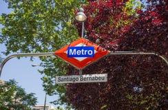 Het Santiago Bernabeu-metro postteken, Madrid, Spanje royalty-vrije stock foto