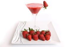 Het sap van de aardbei met aardbeien Royalty-vrije Stock Fotografie