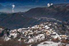 Het Scaffaiolomeer is een meer in de provincies van Pistoia Toscanië en Modena Emilia-Romag royalty-vrije stock afbeelding