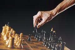 Het schaak van de handholding stock foto