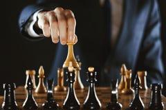 Het schaak van de handholding stock fotografie