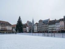 Het schaatsen piste in centrale Plaats Kleber Strasbourg na terrorist royalty-vrije stock afbeeldingen