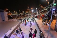 Het schaatsen Piste in VVC (vroegere HDNH) op Kerstmis en Nieuwjaar moskou Stock Fotografie