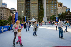Het schaatsen in Union Square in San Francisco Stock Fotografie