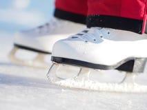 Het Schaatsen van het ijs royalty-vrije stock afbeeldingen