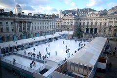 Het schaatsen van het ijs Stock Foto's
