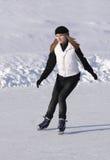 Het schaatsen van het meisje Royalty-vrije Stock Afbeeldingen