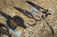 Het scheren scisors met cork bescherming voor vingers stock foto