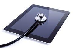 Het scherm digitale tablet van de aanraking met stethoscoop Royalty-vrije Stock Fotografie