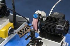 Het scherpe het hulpmiddel van het hoge precisiecarbide malen door CNC automatische gr. Stock Foto