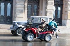 Het schieten van de historische film op de straat van St. Petersburg op 24 Maart, 2016 Royalty-vrije Stock Foto's