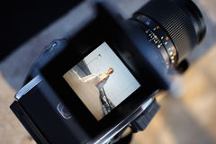 Het schieten van een huwelijk met een uitstekende camera stock fotografie