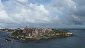 Het schieten van Fort San Juan van de cruisevoering die dichter overgaan stock videobeelden