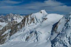 Het schilderachtige gezichtspunt van de sneeuwberg aan in Chamonix Mont Blanc French Alps stock fotografie