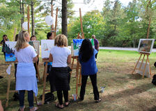 Het schilderen in het park Stock Foto's