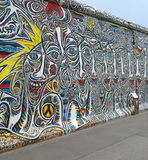 Het schilderen op de Muur van Berlijn Royalty-vrije Stock Afbeelding