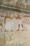 Het schilderen op muur bij Egyptische Graven stock afbeeldingen