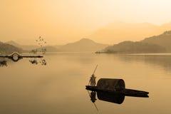 Het schilderen stijl van Chinees landschap Royalty-vrije Stock Foto's