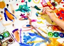 Het schilderen van Childs Stock Afbeelding