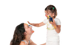 Het schilderen van de moeder en van de dochter Stock Foto's