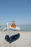 Het schilderen van een boot Stock Foto's