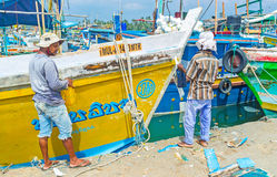 Het schilderen van een boot Stock Fotografie