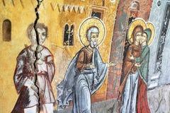 Het schilderen van een oude kerk Stock Foto's