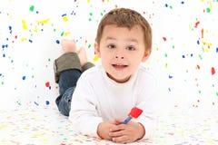 Twee jonge kinderen die over wit schilderen royalty vrije stock afbeeldingen afbeelding 27558759 - Schilderen kind jongen ...